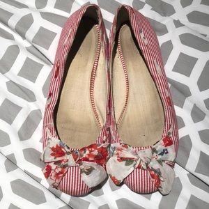 Red stripped flats w/ floral bow